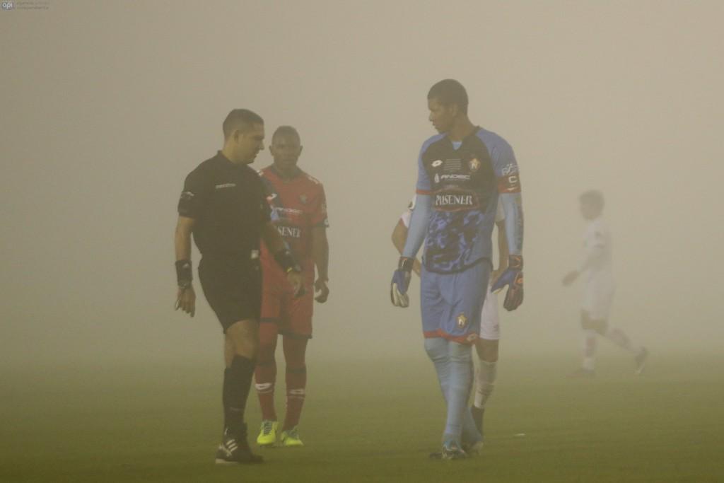 ECUADOR, Quito (2016/04/01). Nacional vs Liga de Quito. FOTOS API / JUAN CEVALLOS.