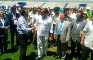 Econ. Rafael Correa, Presidente de la República, Nassib Neme, presidente del Emelec y Efraín Vieira, Gerente del Banco en el recorrido al Estadio Banco del Pacífico. Foto: Cortesía Radio Súper K800