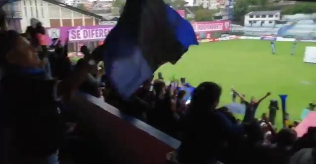 (VIDEO) La celebración de la hinchada de IDV en Sangolquí - StudioFutbol